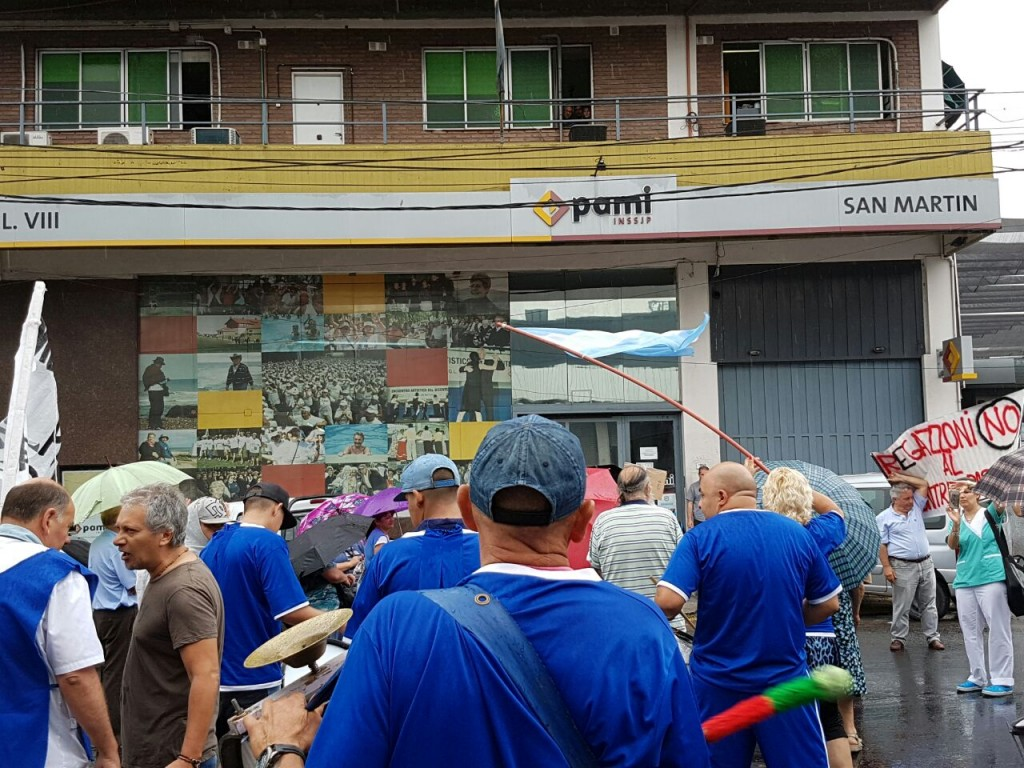 manifestacion-pami-san-martin-ruta-8-amra-sindicato-afiliados-jubilados-ugl-22-12-2016-1