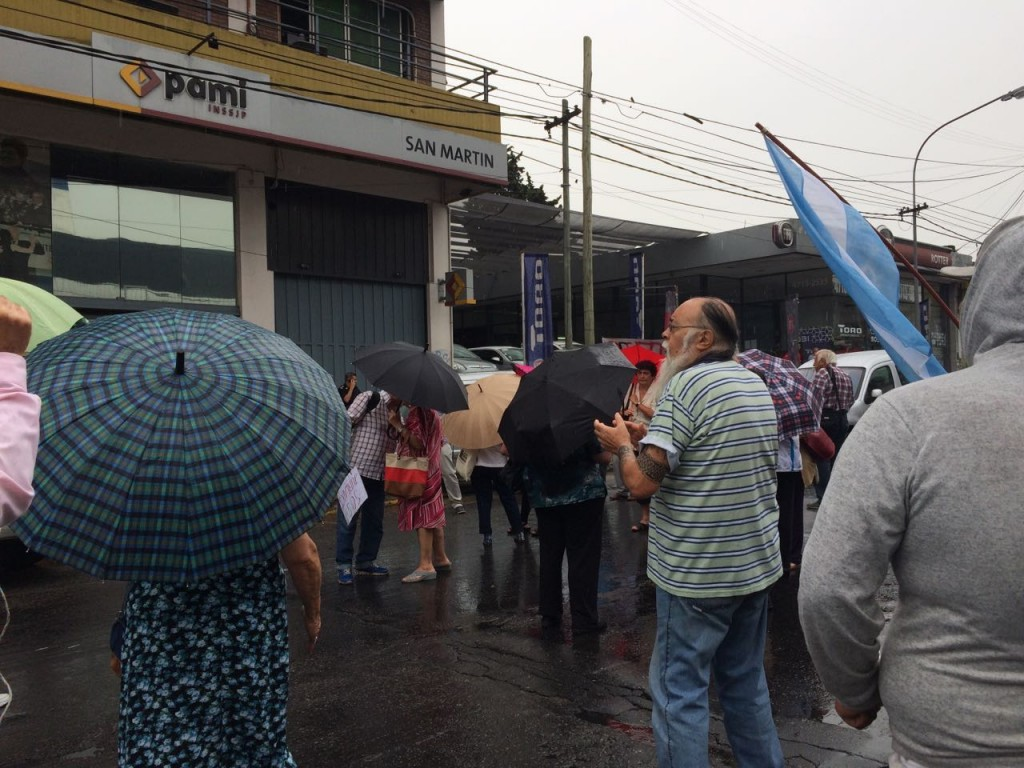manifestacion-pami-san-martin-ruta-8-amra-sindicato-afiliados-jubilados-ugl-22-12-2016-10