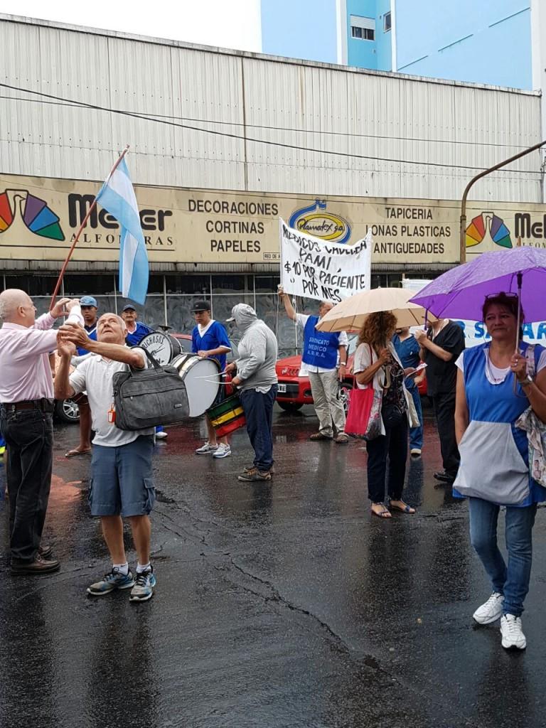 manifestacion-pami-san-martin-ruta-8-amra-sindicato-afiliados-jubilados-ugl-22-12-2016-2